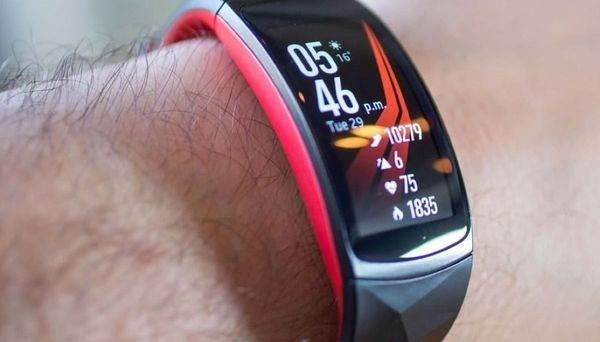 Плюсы-и-минусы-спортивных-браслетов-Xiaomi-Mi-Band-5-1