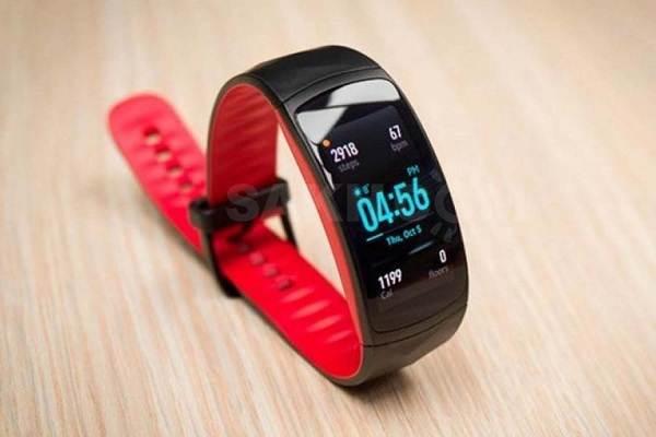 Плюсы-и-минусы-спортивных-браслетов-Xiaomi-Mi-Band-5-3
